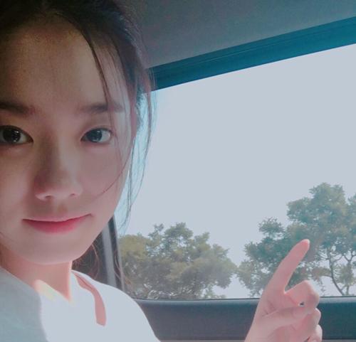 김소혜, 차 안에서 아름다운 셀카…'귀염 뿜뿜'