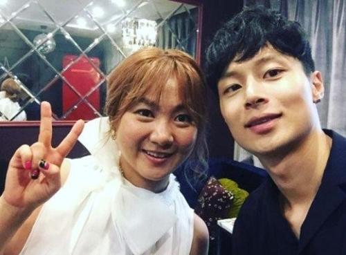 김충재, '비디오스타' 출연...박나래와 한 번 더 핑크빛 모드?