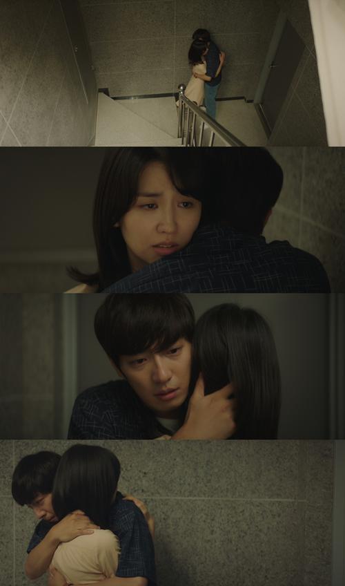 '평일 오후 세시의 연인' 박하선X이상엽, 뜨거운 포옹 '애틋'