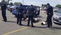 미국 경찰, 죄없는 흑인소녀 땅에 엎드리게 하고 급기야…