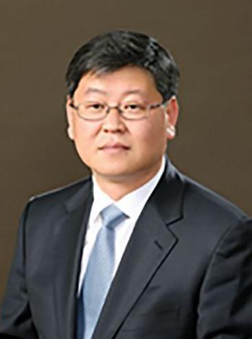 법무차관 '이용구 변호사' 임명한 文 대통령...尹 징계 강행 시그널(?!)
